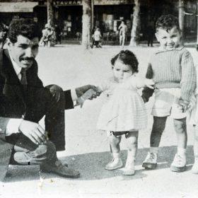 Saad-Troudi-et ses enfants-photographiés-place-Bellecour-Arch-privée-Troudi_1