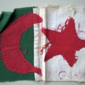 drapeau-cousu-main-Arch-privées-Montagne