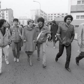 Farid Lhaoua à gauche. la secrétaire d'Etat à la famille, Georgina Dufoix et Toumi Djaidja au centre. Strasbourg, le 20 novembre 1983.MARCEL MOCHETAFP